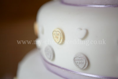 Cheap Wedding Cake on If You Decide To Get Your Cheap Wedding Cake From A Cake Designer