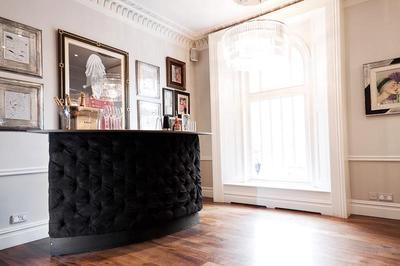 M-Eye Bar - Portable wedding bar rentals London